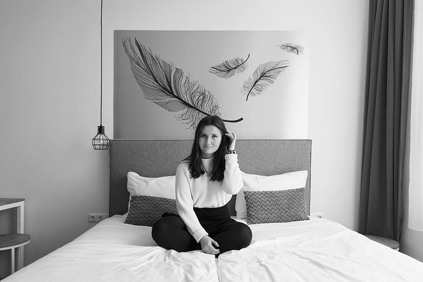 Resedagbok Amsterdam: Seriekväll på hotellrummet