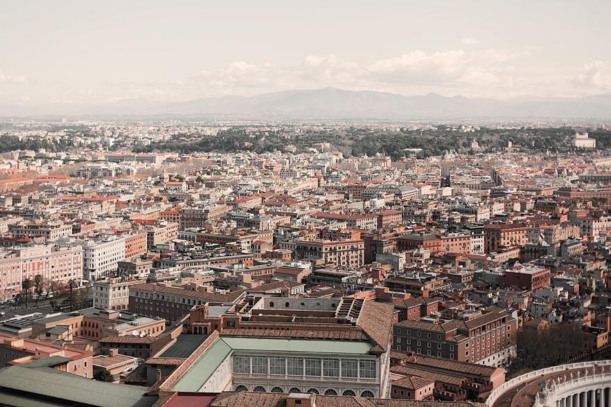 Utsikt över Vatikanstaten från toppen av Peterskyrkan