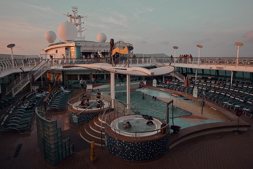 Till havs på Radiance of the Seas