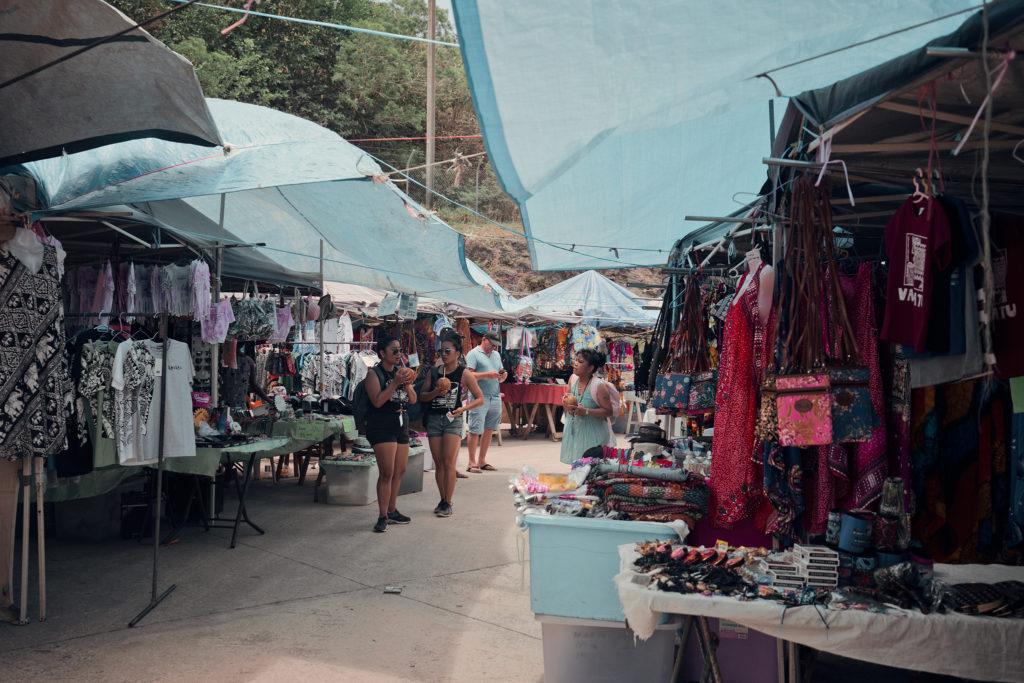 Marknad i hamnen