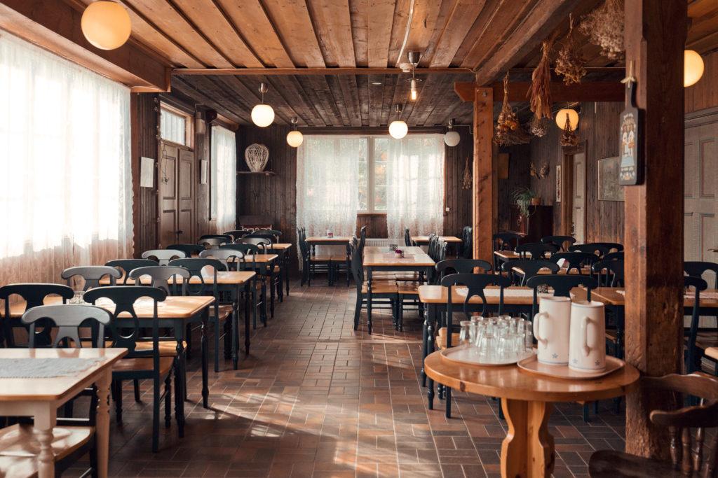 Våfflor på Lövhagens kaffeservering och vandrarhem